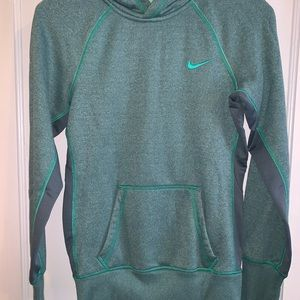 Nike therma-fit hoodie, size XS